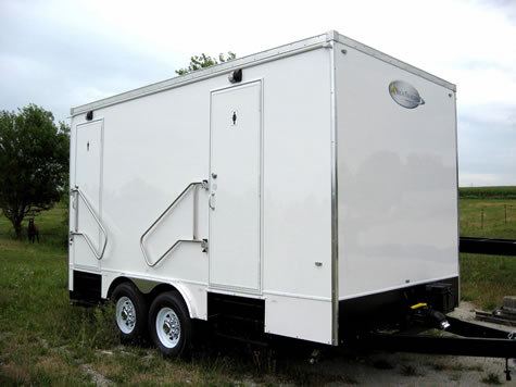alpine 5 stall portable restroom trailer - Bathroom Trailers